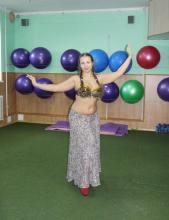 девушка восточные танцы